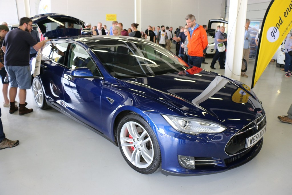 Tesla Model S Shooting Brake front